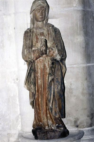 statue : Vierge de Calvaire
