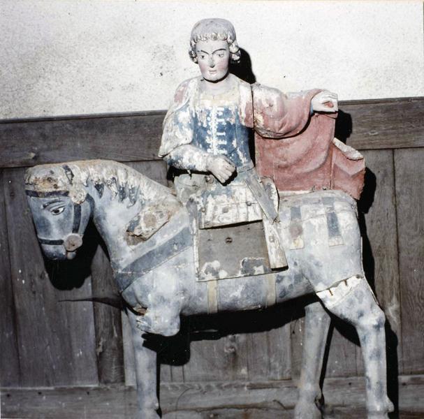groupe sculpté : saint Martin à cheval