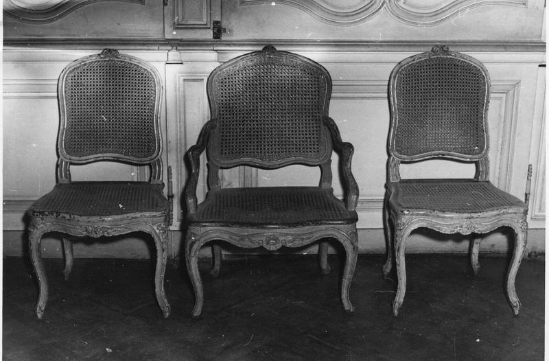 Fauteuil, 2 chaises