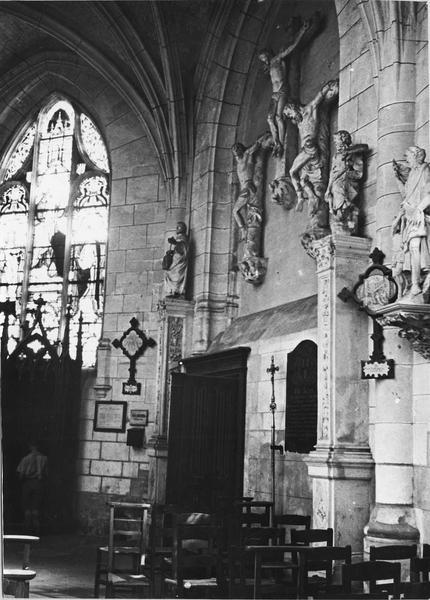 calvaire : Le Christ entre les deux larrons, avec saint Pierre et saint Paul