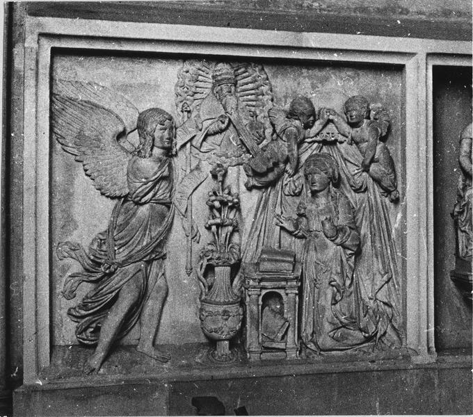 bas-relief : L' Annonciation, L' Adoration des Bergers