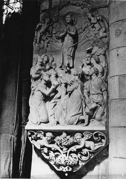2 bas-reliefs : L'Ascension, La Résurrection
