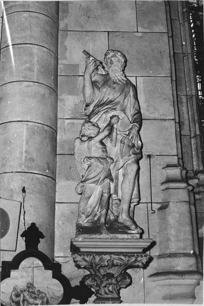 Groupe sculpté : Un Saint et un ange