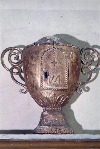 ciboire des malades (réserve eucharistique pour le sacrement des malades)