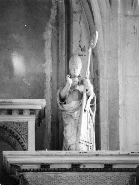 statue : Saint Evêque
