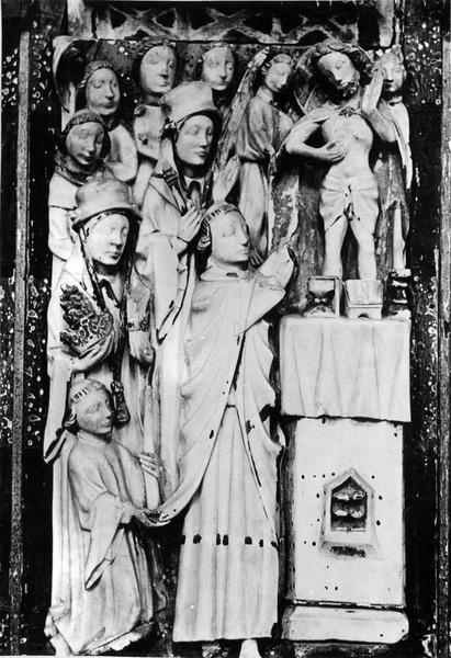 retable, un bas-relief : saint Etienne, L' Annonciation, L' Adoration des Mages, La Messe de saint Grégoire, L' Assomption, Le Couronnement de la Vierge, saint Laurent