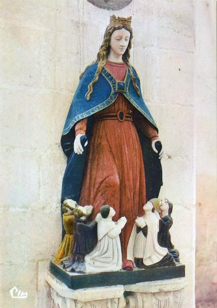 Groupe sculpté : Vierge auxiliatrice