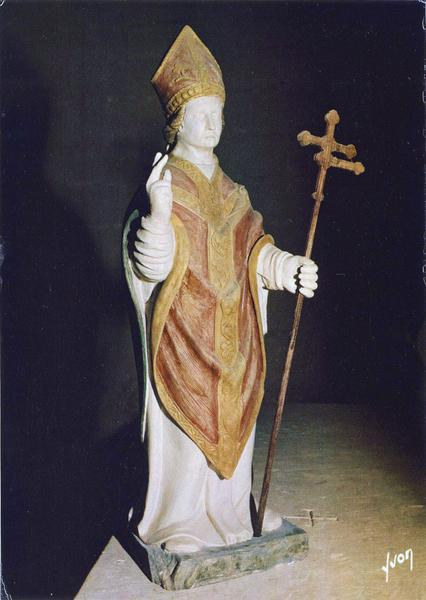 statue : saint Edme, profil droit