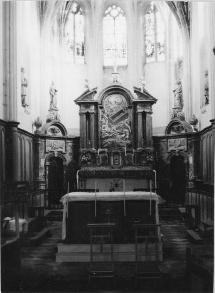 autel, tabernacle, retable, bas-relief : La Résurrection, statuettes : sainte Colombe, Martyr