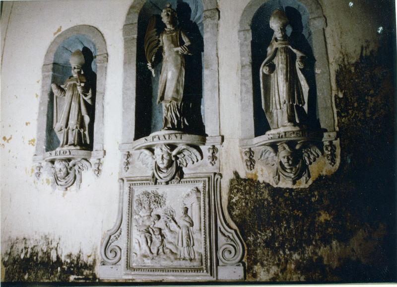 trois statues et leurs consoles : saint Eloi, saint Paxent, saint Hubert, saint Jean l'Evangéliste