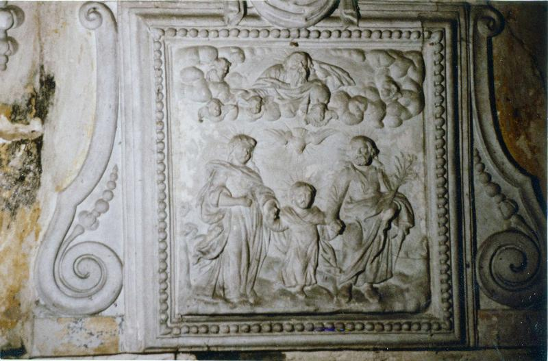 bas-relief : La Sainte Famille