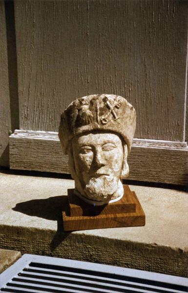 tête : saint Jacques ou saint Roch, vue de face