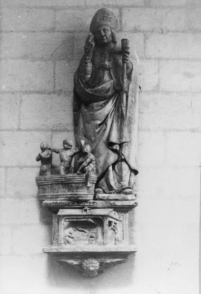 2 statues : Saint Vincent, Saint Nicolas