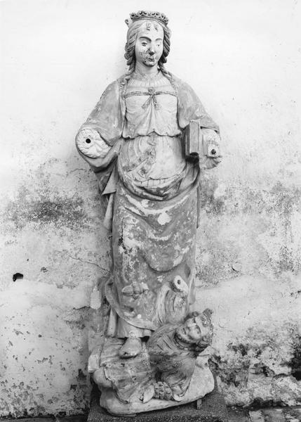 groupe sculpté : sainte Catherine d'Alexandrie écrasant son persécuteur l'empereur Maximin
