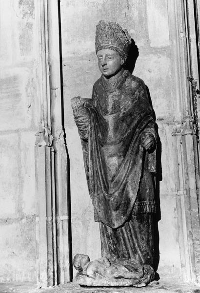 groupe sculpté : Saint Edme et l'Enfant