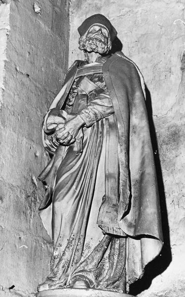 2 statues : Saint Evêque
