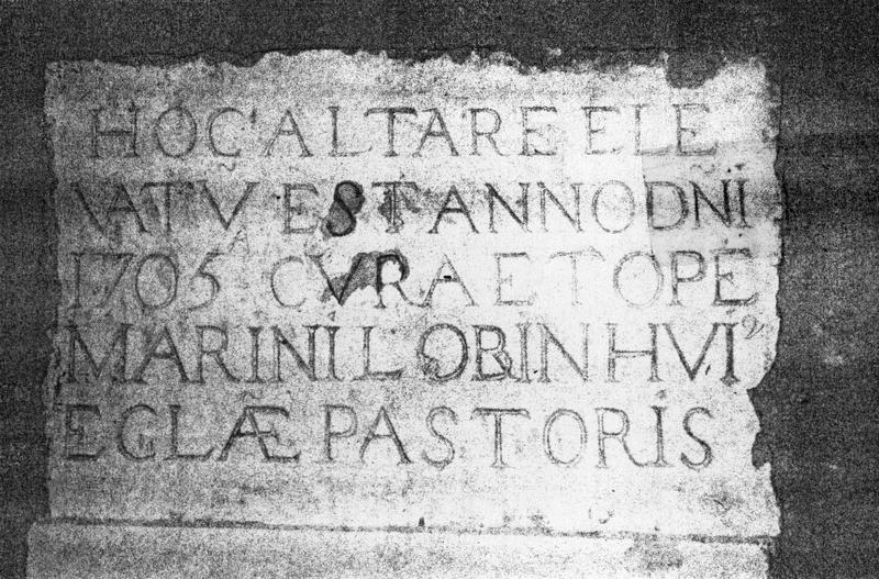 plaque commémorative de la fondation de l'autel de la Vierge