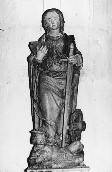 groupe sculpté : Sainte Catherine