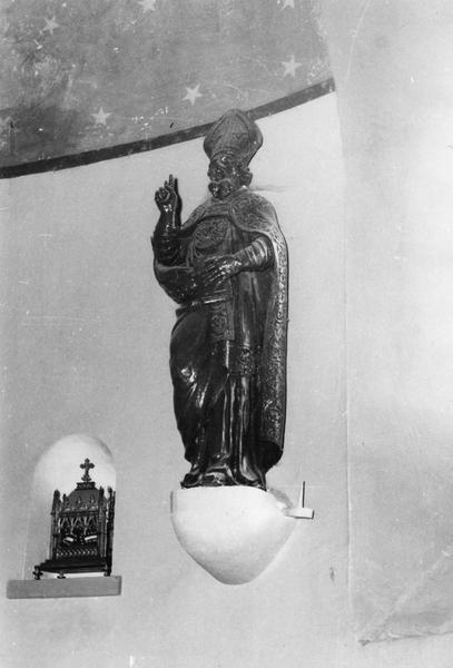 statue : saint évêque bénissant