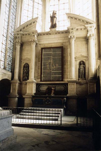 retable du maître-autel, statues : saint évêque, saint Simon