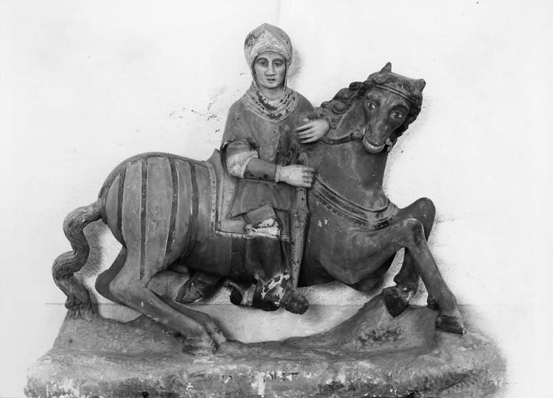 groupe sculpté : sainte Dorothée