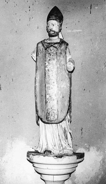 statue : saint évêque barbu