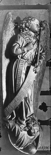 groupe sculpté : L' Annonciation, détail de l'ange