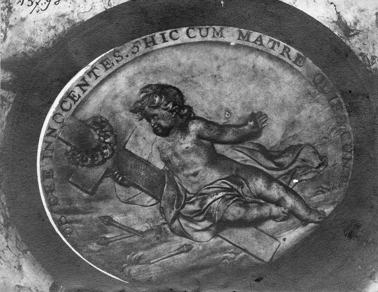 bas-relief : Le Christ enfant appuyé sur la croix