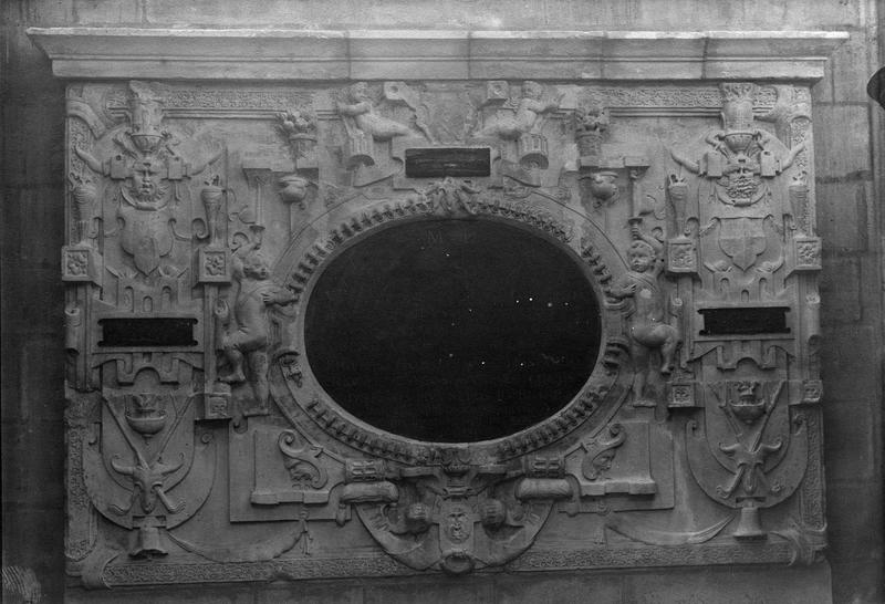 monument funéraire du chanoine Philippe Hodoart