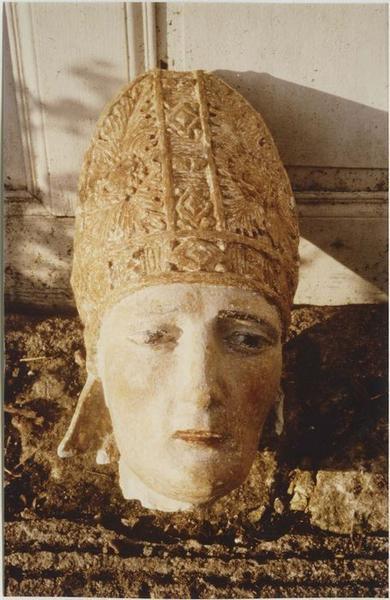 Statue : saint Evêque, détail