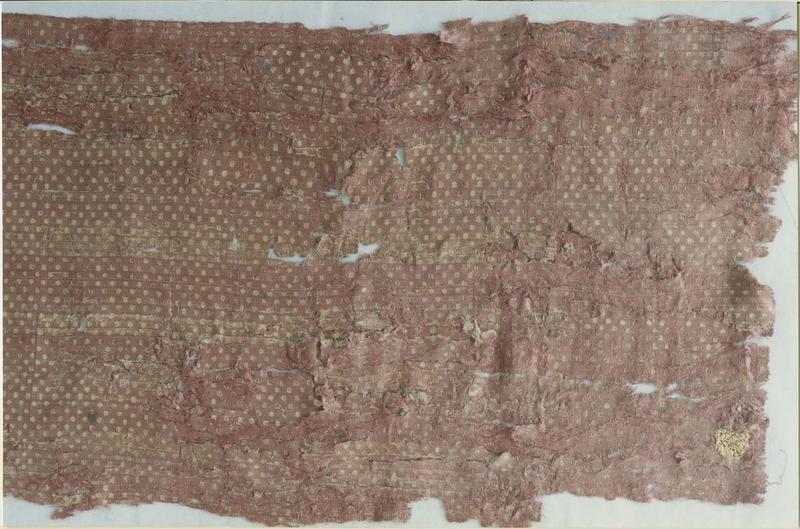 tissu (fragment): suaire de saint Savinien, détail avant restauration