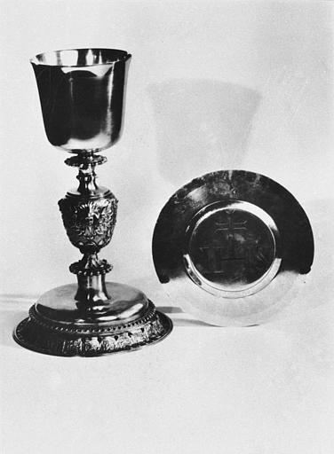 Calice, patène : les Instruments de la Passion, la Sainte Face, Symboles eucharistiques, la Résurrection