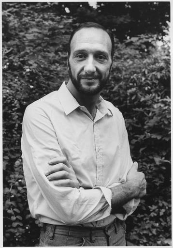 César Cofone