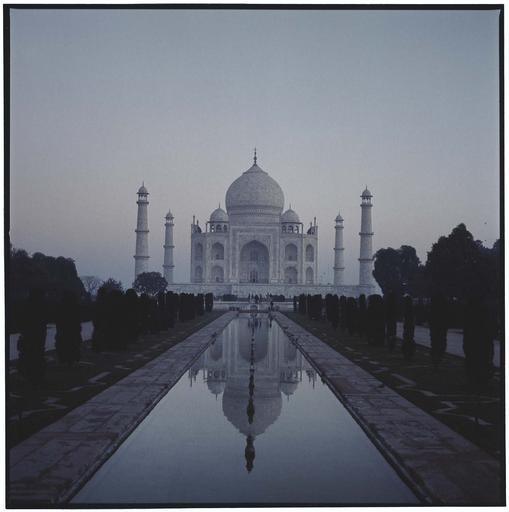 Taj Mahal au crépuscule