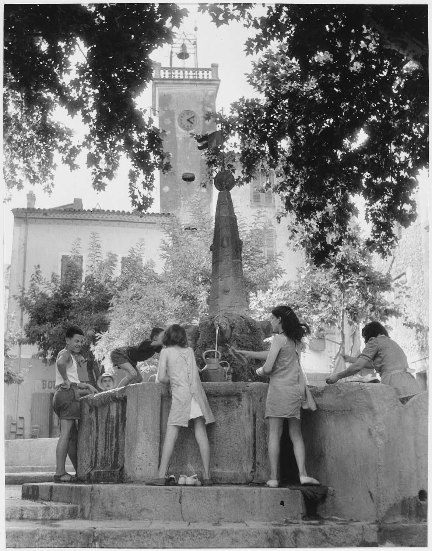 [Signes (Var),] 1947