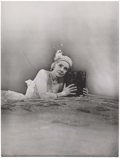 Madeleine Renaud : Winnie dans Oh les beaux jours de Samuel Beckett
