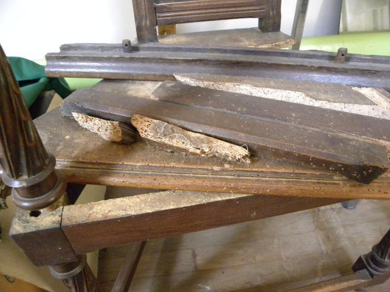Fauteuil de célébrant (cathèdre), vue rapprochée sur le siège