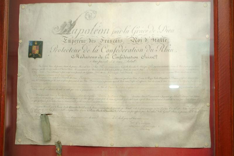 Manuscrit (lettre patente) de Napoléon Ier du 26 février 1814 : Attribution du titre de comte de l'Empire au général François Roguet