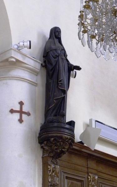 Ensemble de six statues : sainte Geneviève