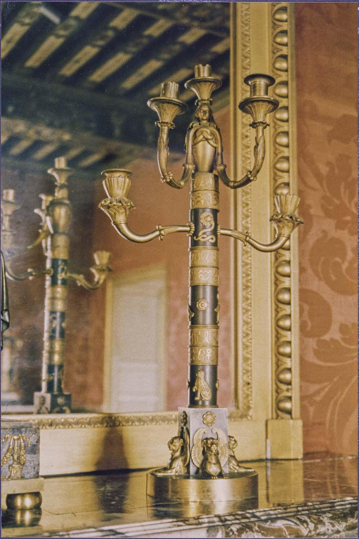 2 chandeliers (candélabres)