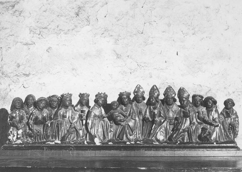 Groupe sculpté : Vierge à l'Enfant entourée des quatorze intercesseurs