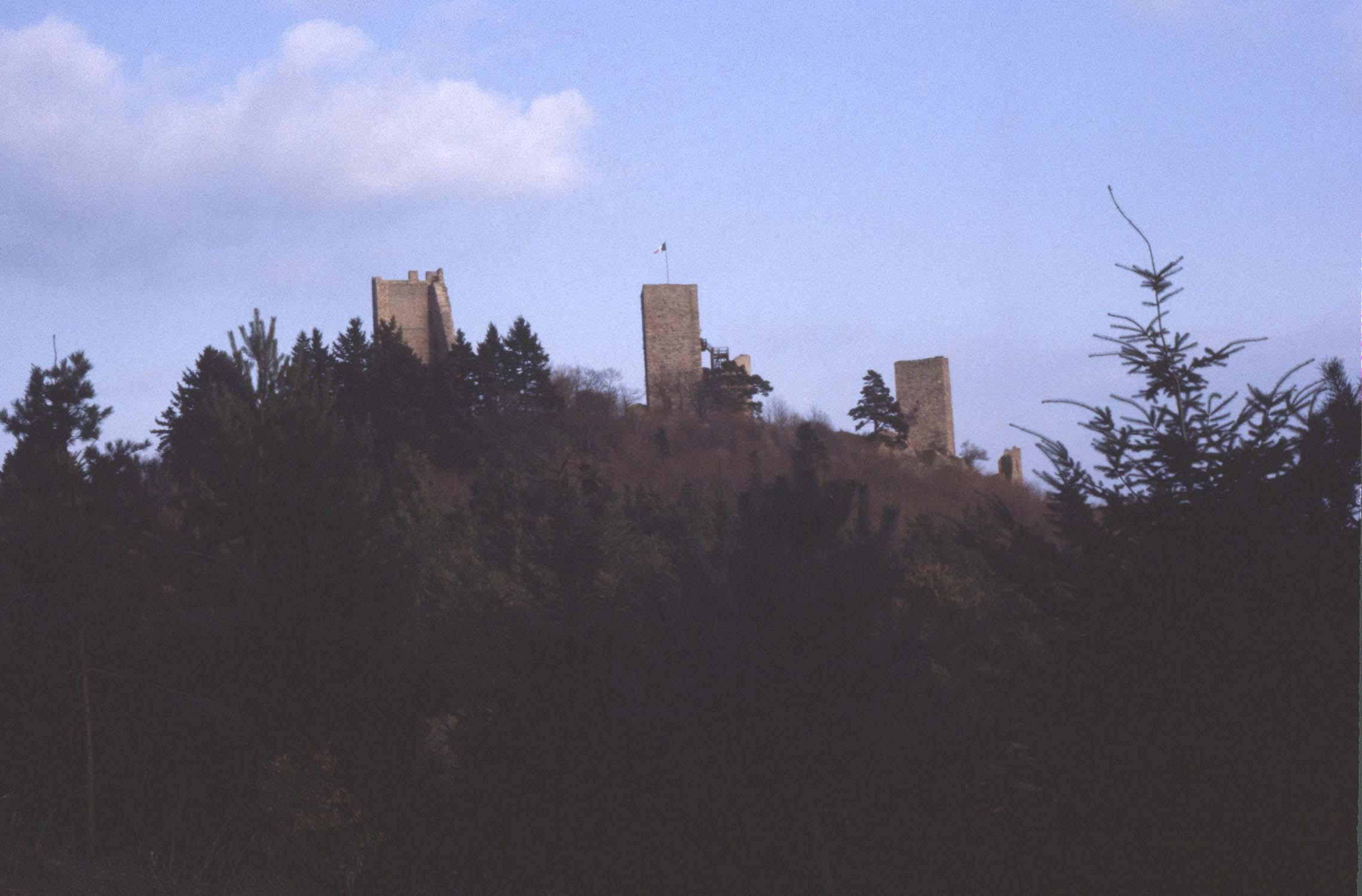 Site des Trois-Châteaux, vue à distance
