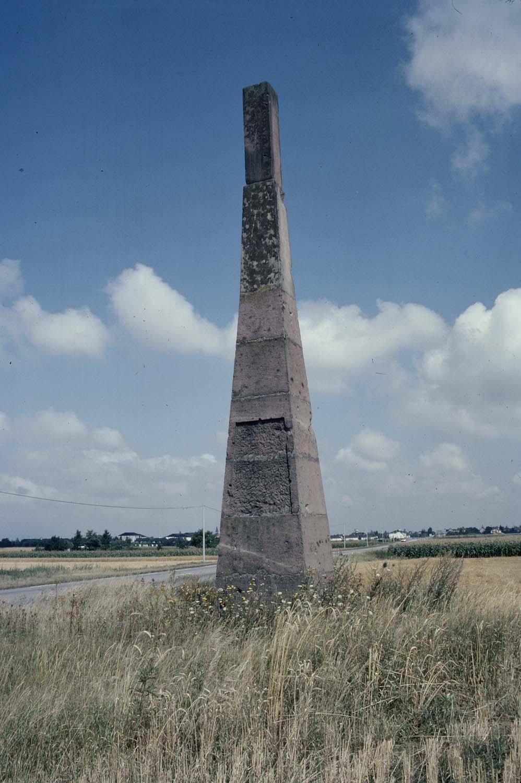 Stèle géodésique