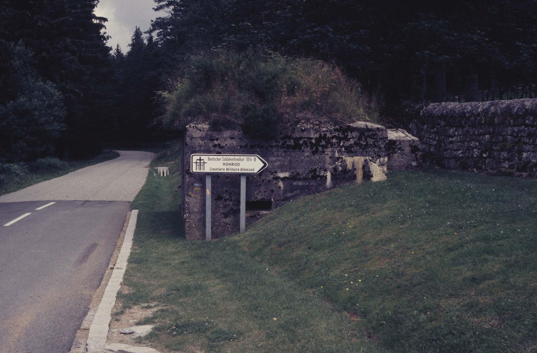 Cimetiere du Baerenthal 1914-1918 : entrée sur la route
