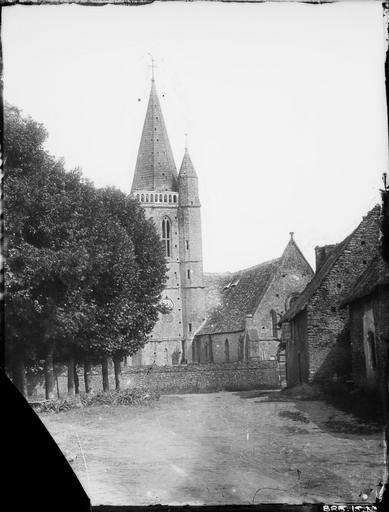 Bras du transept et clocher