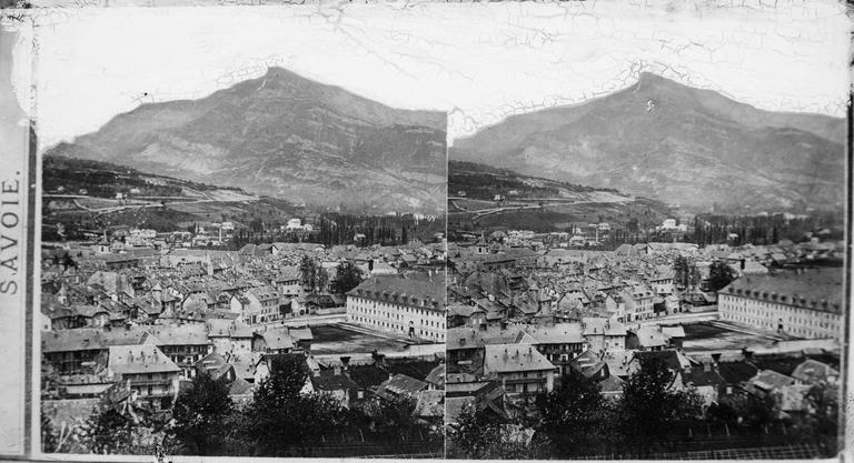 Vue de la ville et de la Dent du Nivollet