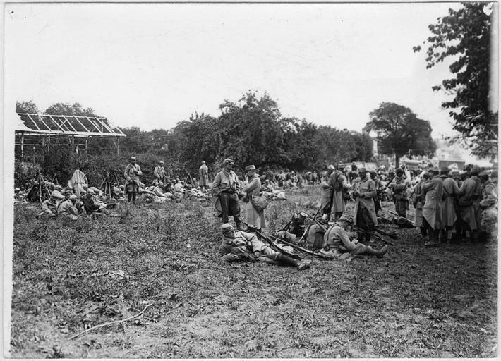 Campement militaire : la troupe au repos
