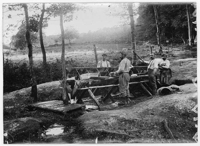 «Village nègre» : le lavabo