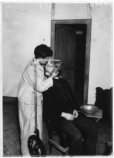 Le dentiste allemand du camp