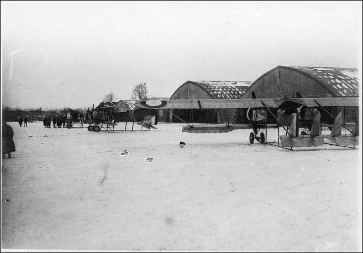 Visite de la Mission anglaise : avion Caudron